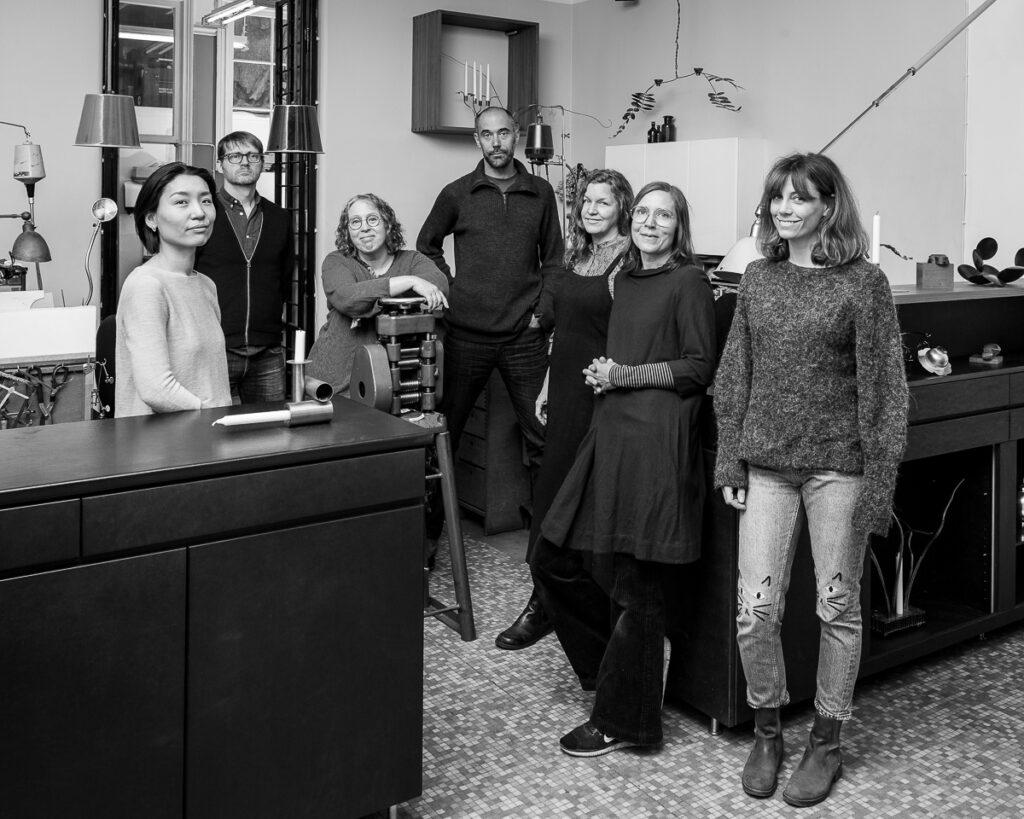 Medlemmatna i LOD Metallformgivning 2019. Från vänster Klara Eriksson, Pernilla Sylwan, Petronella Eriksson, Tobias Birgersson, Lena Jernström, Erik Tidäng och Maki Okamoto Alm.